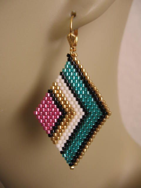 Seed Bead Diamond Shape Earrings Teal/Pink от pattimacs на Etsy