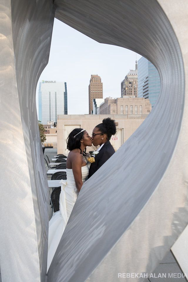 Wedding Photography at the Oklahoma City Museum of Art | OKCMOA Roof Terrace | Bridal Photography | Rooftop Photo Session | Outdoor Sculpture | Downtown OKC | Oklahoma City | Photo by Rebekah Alan Media