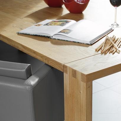 Rolstoeltoegankelijke restauranttafels, leestafels.  www.objectform.nl
