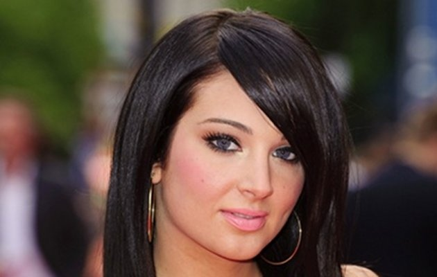 17 Best images about Tulisa on Pinterest | Sexy, Updo and Red lips