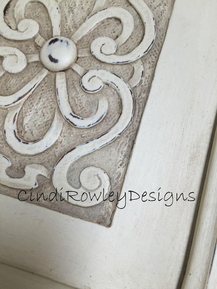 Furniture Makeover with Chalk Paint® Decorative Paint by Annie Sloan. Old White and a custom mix of French Linen, Paris Grey and CoCo. Finished with Soft Wax by Annie Sloan in Clear and Dark.