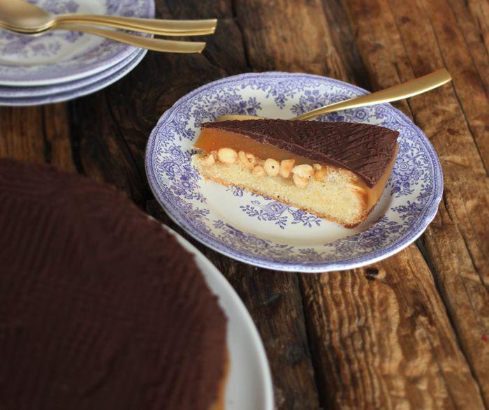 Snickerskage - en lækker konfektkage