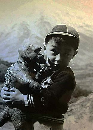 Minya (the son of Godzilla) and friend on the set of DESTROY ALL MONSTERS