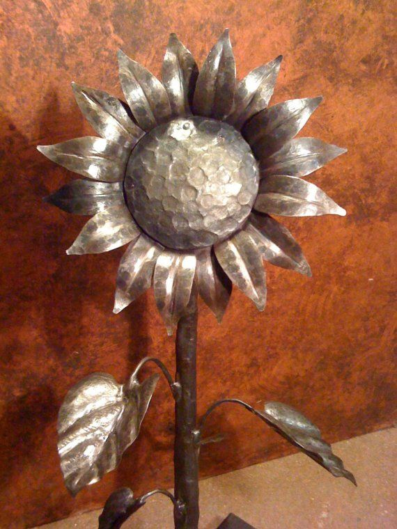 medium hand forged recycled iron sunflower by NorthernCrescentIron, $425.00: Metals Work, Welding Projects Man Stuff, Forge Recycled, Metals Gardens, Medium Hands, Recycled Iron, Metals Art, Iron Sunflowers, Hands Forge