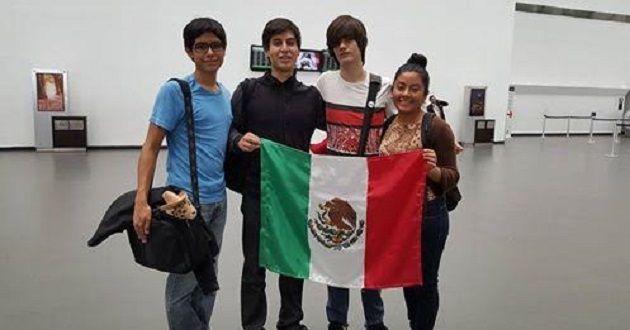Bribiesca Argomendo, quien cursa sus estudios en el Colegio Juana de Asbaje, en la ciudad de Zamora, ya había dejado constancia de su capacidad al haber formado parte de la Selección Mexicana