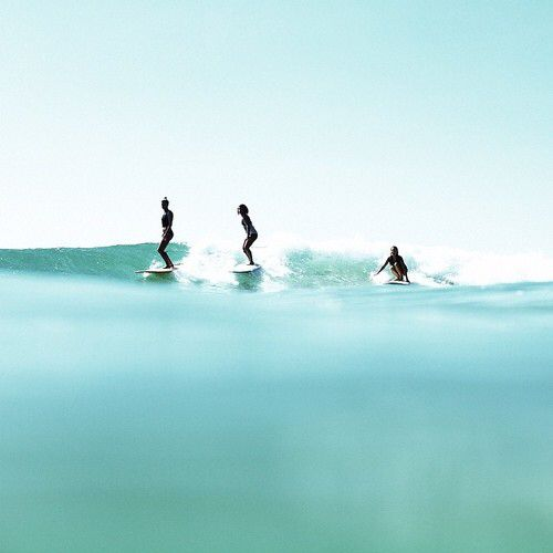 Surfing is better together