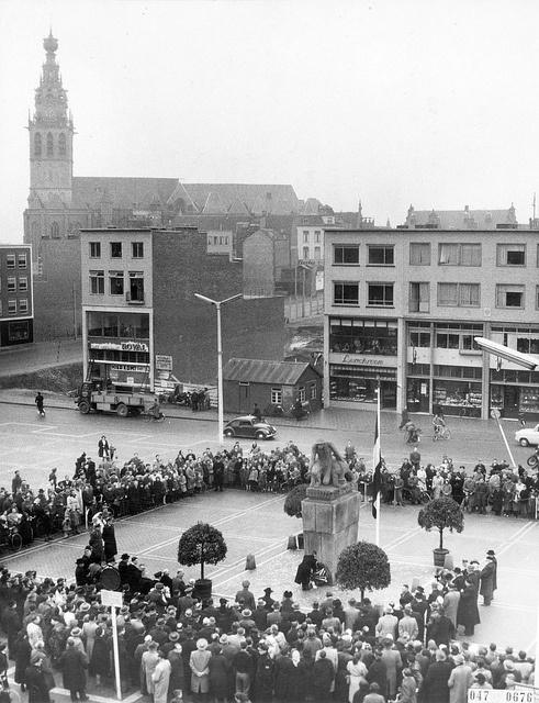 Het monument op Plein 1944 te Nijmegen is opgericht ter nagedachtenis aan alle Nederlandse militairen uit het Rijk van Nijmegen die tijdens de Tweede Wereldoorlog sneuvelden. Van de Koninklijke Landmacht waren dat circa 2.300 man en van de Koninklijke Marine naar schatting 2.900 man