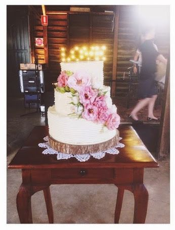 All you need is... Behind the scenes with team @whitewhiteco. Top tier dark #chocolate cake & homemade #raspberry conserves, middle tier #vanilla bean cake & homemade #strawberry compote, bottom tier #coconut cake with homemade #lime curd. Finished with #organic #buttercream.  #bespoke #handmade #brisbane #weddings  #cake #gillianbell
