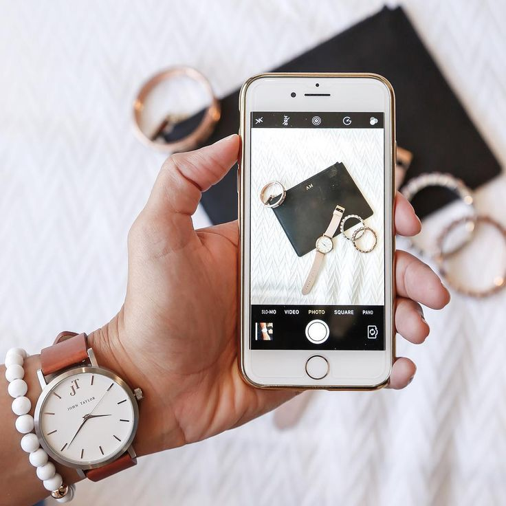 The Byron unisex watch style. Flatlay watch style. iPhone watch flatlay.