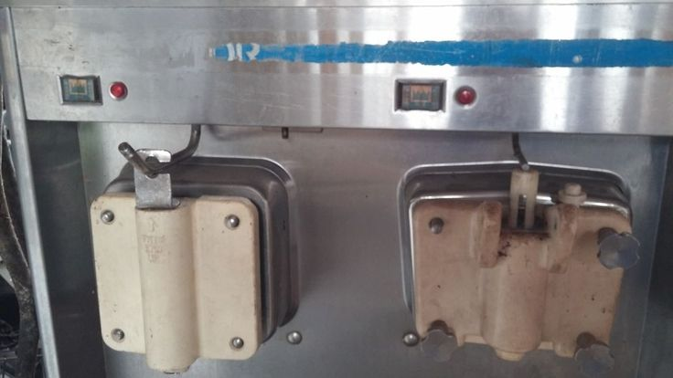 Taylor Freezemaster Milkshake Machine 632 3PH - Ice cream soft serve - Y632-33