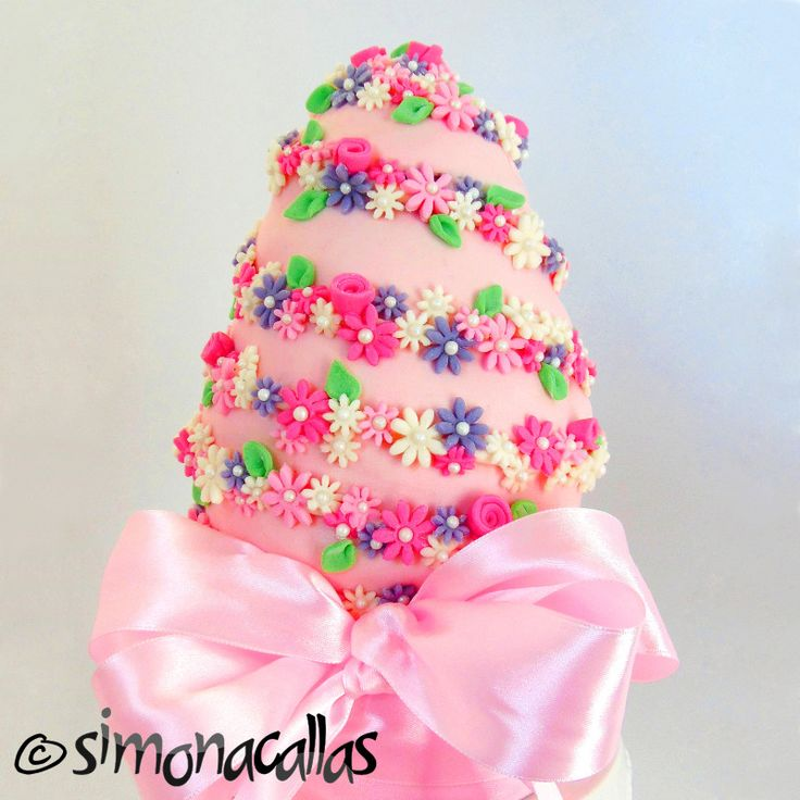 Pink Easter Egg Cake by simonacallas