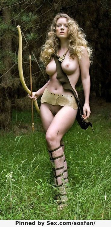 Nude pretty warrior — photo 7