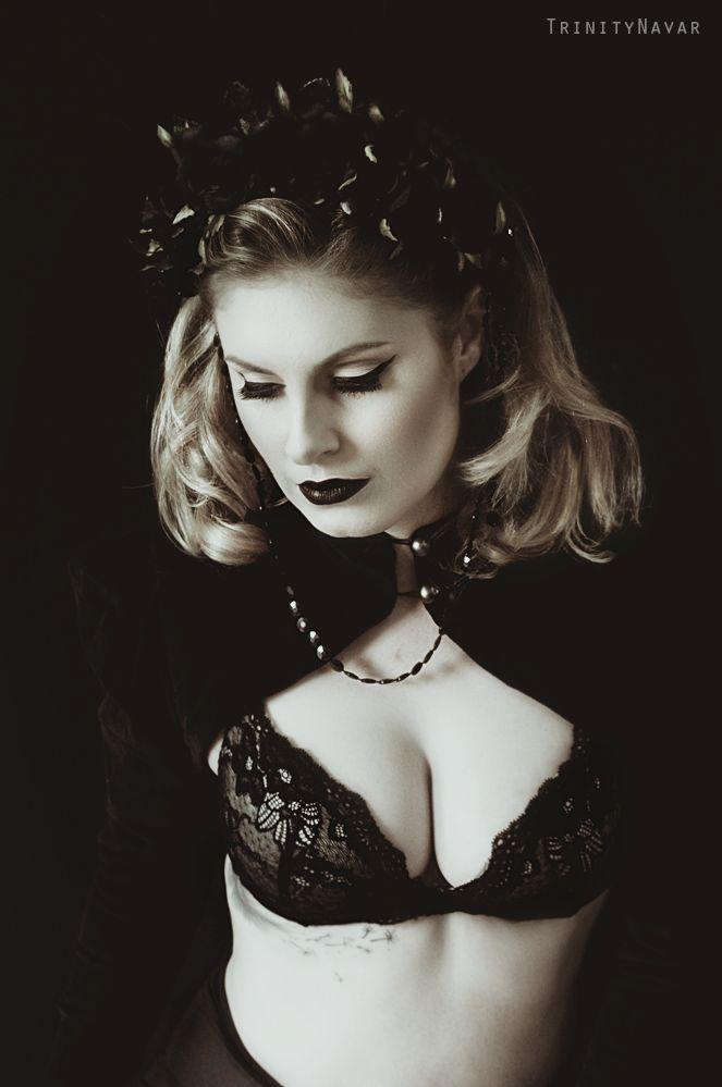 Model:- Mandie Leigh MUA:- Jasmine Stacey Artist Bolero & Headpiece:- FORGE Photography:- Trinitynavar