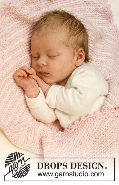 """Rillestrikket DROPS teppe i """"Baby Merino"""" med striper – strikket fra hjørne til hjørne ~ DROPS Design"""