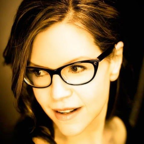 Lisa Loeb - Free Music Downloads on apple music store,iTunes music store,amazon prime and amazon app store.