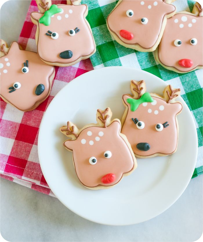 Cuteness. Reindeer face decorated cookie tutorial from @bakeat350