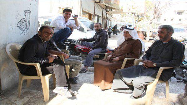 """Bebas dari ISIS Jarabulus menjadi tujuan baru bagi pengungsi di Suriah utara  SURIAH (Arrahmah.com) - Populasi kota perbatasan Jarabulus yang telah menjadi tujuan populer bagi para pengungsi telah melebihi 30 ribu orang setelah sebelumnya hanya sekitar tiga ribu lima ratus orang saat diduduki kelompok """"Daulah Islamiyah"""" atau Islamic State (IS) yang sebelumnya dikenal sebagai ISIS.  Kehidupan sehari-hari warga mulai kembali normal secara bertahap setelah IS terusir dari kawasan itu. Layanan…"""