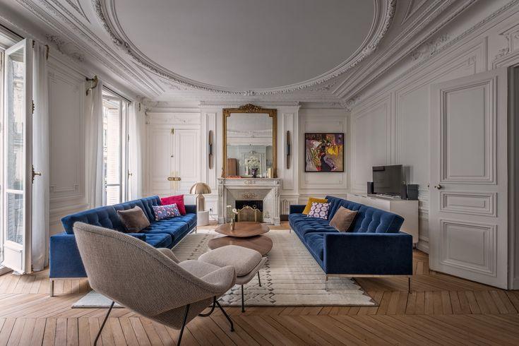 haussmannien appartement paris canapé tapis moulures