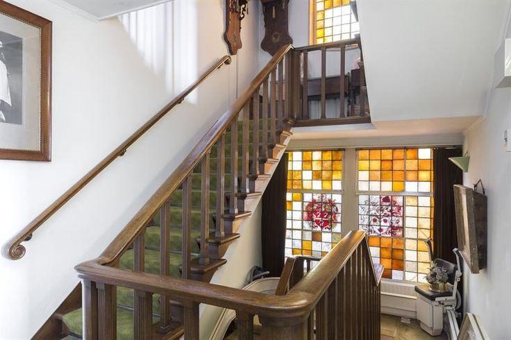 Trappenhuis van een jaren30 woning jaren 30 trap pinterest - Vervoeren van een trappenhuis ...