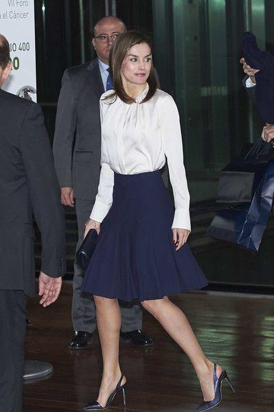 Queen Letizia of Spain Photos - Queen Letizia of Spain attends the VII Cancer Forum 'Por un Enfoque Integral' at the Reina Sofia Museum on February 1, 2018 in Madrid, Spain. - Queen Letizia of Spain Attends Forum Against Cancer
