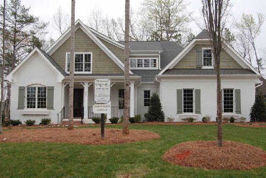 Best 25 stucco house colors ideas on pinterest gray - Best exterior paint for wood siding ...