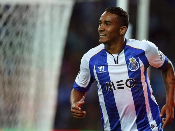 FC Porto Noticias: Manchester United não desiste de Danilo