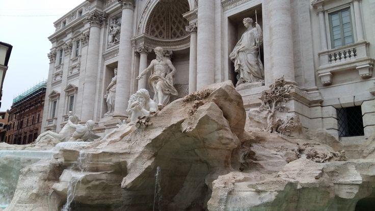 """Mis à part les romains, les italiens d'autres régions travaillant à Rome et les étrangers émigrés pour le travail, les """"découvreurs"""" de Rome sont des touristes, et parmi ceux-ci on retrouve toutes les nationalités, ce qui évidemment amène une grande complexité en matière de gestion de l'information sur les déplacements et les transports dans…"""
