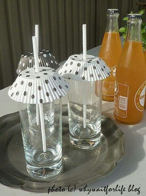 Keep bugs out of your drinks at outdoor parties by using cupcake liners. Also a good way to add interest to parties or designate glasses.