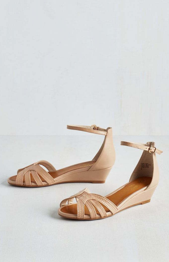 Seychelles Break Wedge in Beige