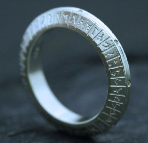 Geeky Engagement Rings Omg I Would Have Fainted On The Spot For A Stargate Band Like This