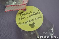 Mickey Mouse birthday party favor tags - FREE printable! #disney #printable #party