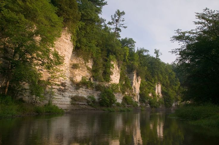 Iowa Mississippi river bluffs | Iowa River flows into the mighty Mississippi River in northeast Iowa ...