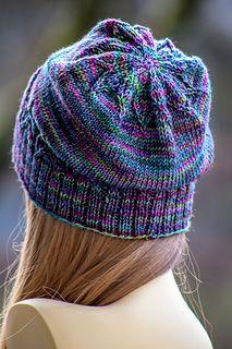 Este divertido chapéu unissex funciona rapidamente! Para fazer isso, você precisará de aproximadamente 175 - 2 ...