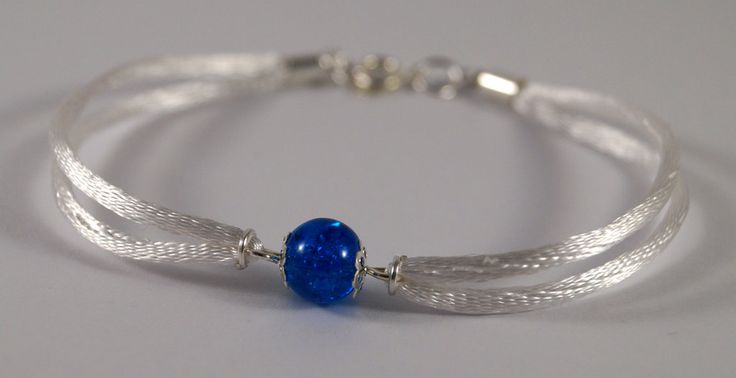 Blue and white bracelet by TosTosia