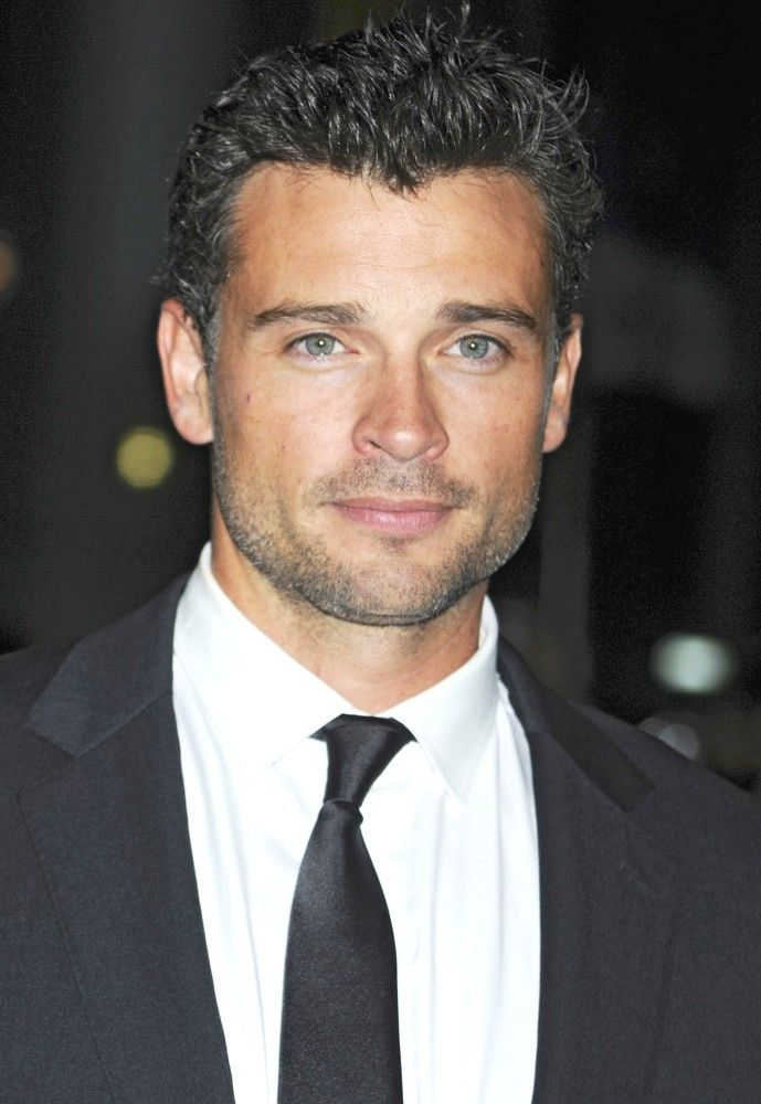 Tom Welling. Do you need any proof about Jesus exist??? O M G!!! He's gloriously handsome!!