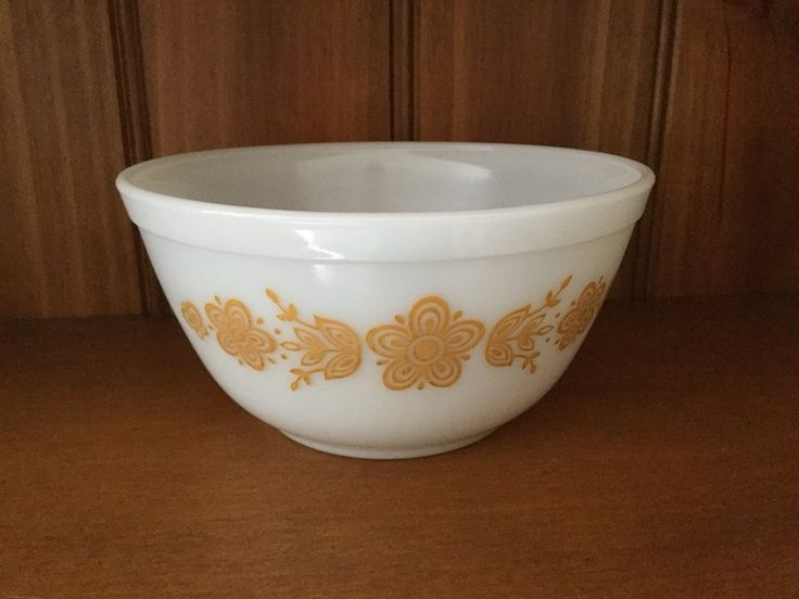 Vintage Pyrex 'Butterfly Gold' Mixing Bowl - $8