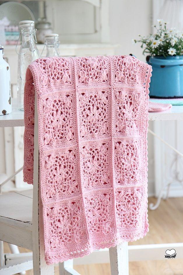 Sengetæpper - Granny Blanket - en designer stykke bleuetrose på DaWanda