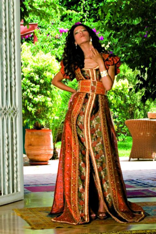 caftan http://moroccankaftan.info/moroccan-clothing-timeless-classics-out-of-morocco/