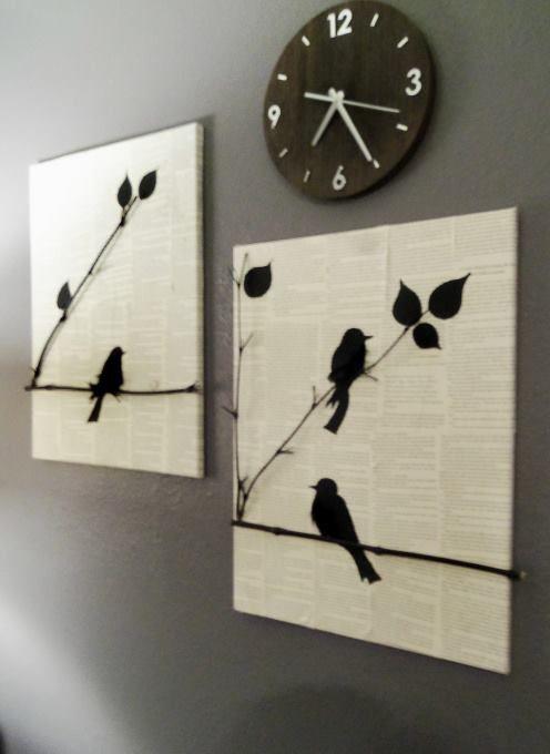 Une planche recouverte de pages de livres, des fines branches bombées en noir, et l'ajout de feuilles et d'oiseaux découpés dans du papier noir. Vous obtiendrez ainsi un joli tableau.