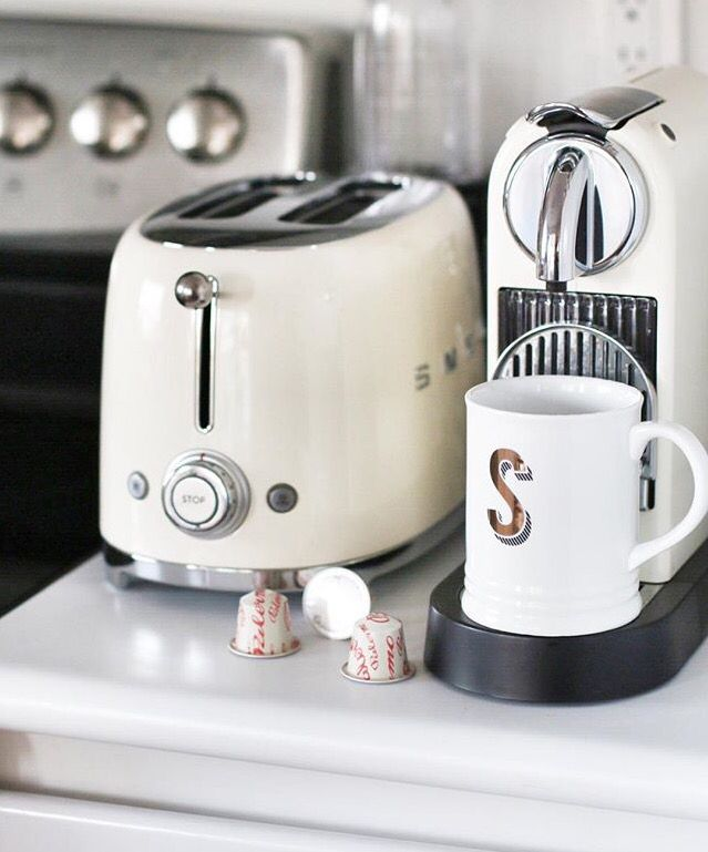 White kitchen, Smeg toaster