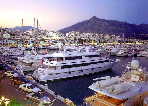 Puerto Banus Marina. Why not have your hen weekend in Puerto Banus, Spain with Hen Marbella?