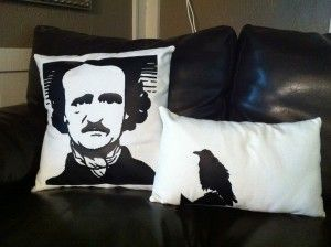 DIY - Poe silhouette pillows (Source : http://www.happylooksgoodonyou.com/inspired-by-edgar-allan-poe/#.UI5nmmcfTnQ)