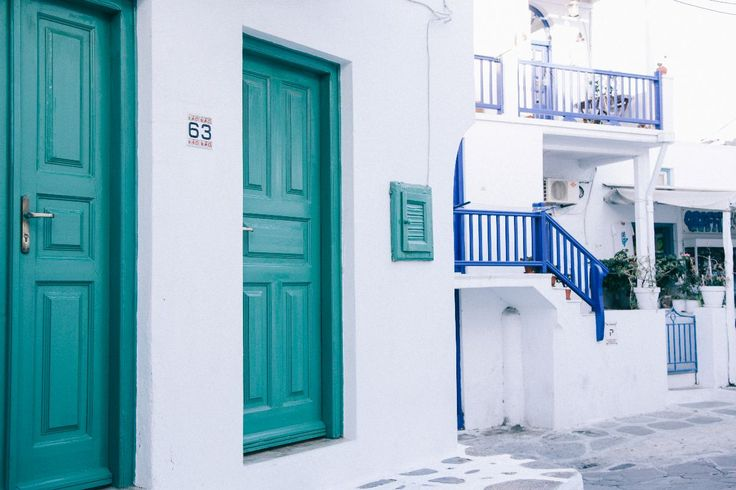 Holiday Snaps || Mykonos – Poppy Deyes