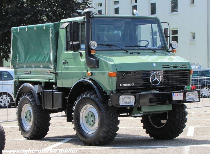 Tractor trailer Mercedes Benz Unimog U1300