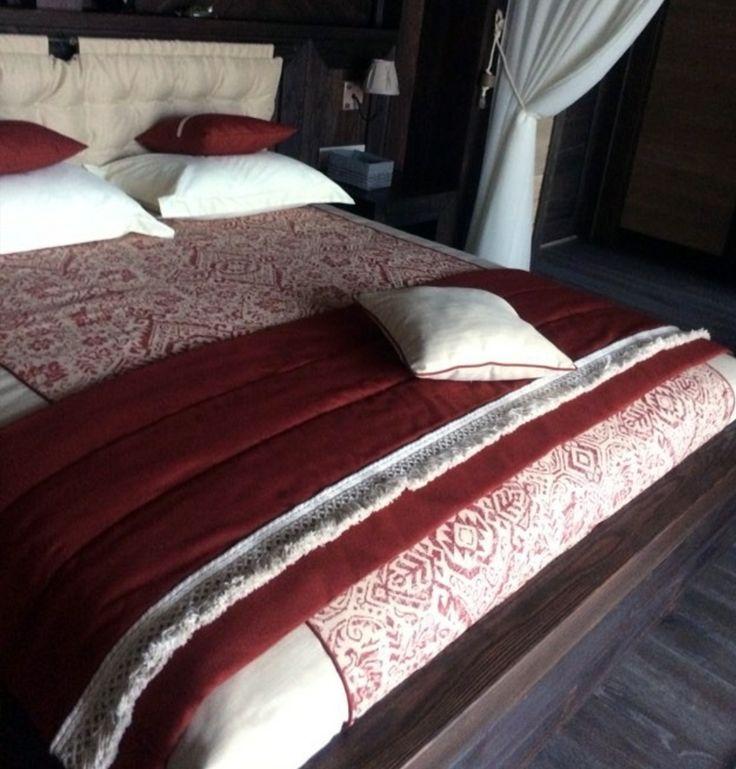Оформляя спальню в стиле #шале @klevez и @tjdecor использовали #жаккард KILIM из коллекции BALENCIAGA #Galleria_Arben #fabric #bedroom