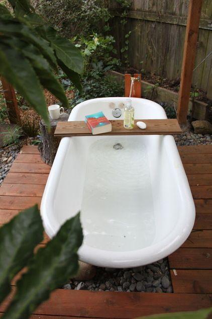DIY Outdoor soaking tub under the stars!