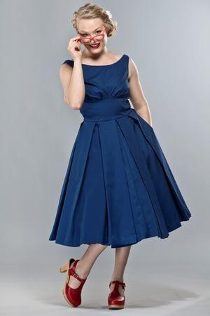 the midsummer dream dress. Navy pique. Den perfekta vardagsklänningen under sommaren :)