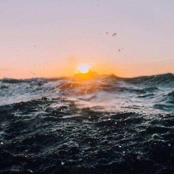 Beach #fomo from the waves.. @carlinchiropractic  #howlonguntilsummer? #beachlife #perthisOK #WesternAustralia #westisbest #Perth #AustralianBrand #potd #sunset #waves #splash #surf #ocean #sunflare #lightblur #light #beach #ocean #Australianlifestyle #float #beachfloat #poolfloat #pooltoy #exclusivedesigns #Perthbusiness #Perthlocal