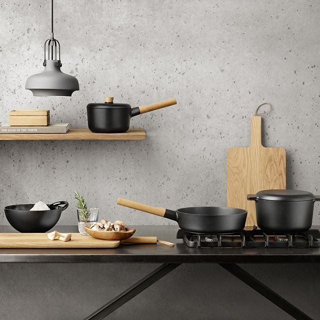 @evasolo_official brings the idea of cast iron to a #Scandinavian lifestyle with a new series of aluminum #cookware called Nordic Kitchen.
