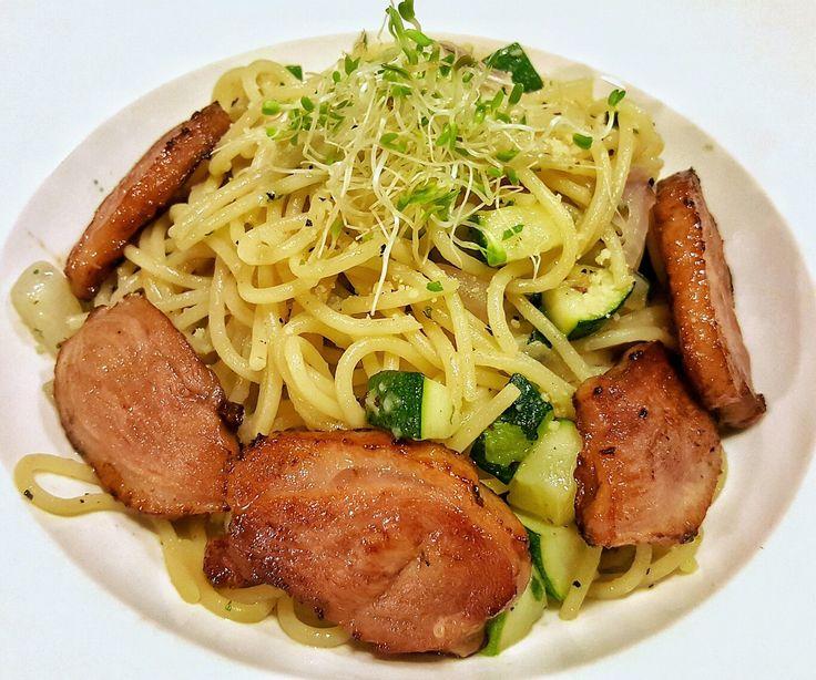 Duck Aglio Olio  Departure Lounge Café 10 Jalan SS21/39 Damansara Utama Petaling Jaya Tel: +603 77257682  #departureloungecafe #grillduck #pasta #aglioolio